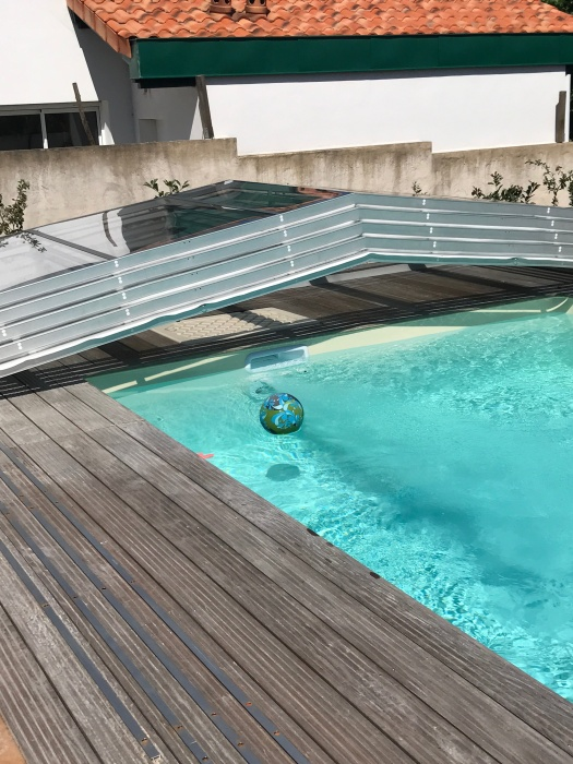 Piscine abri bas t lescopique for Prix abri bas piscine