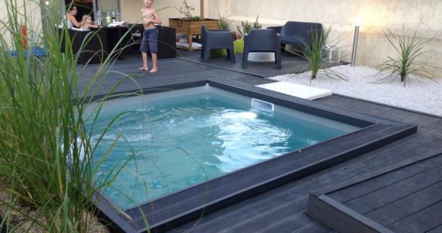 Destockages piscines for Fabriquer un enrouleur piscine
