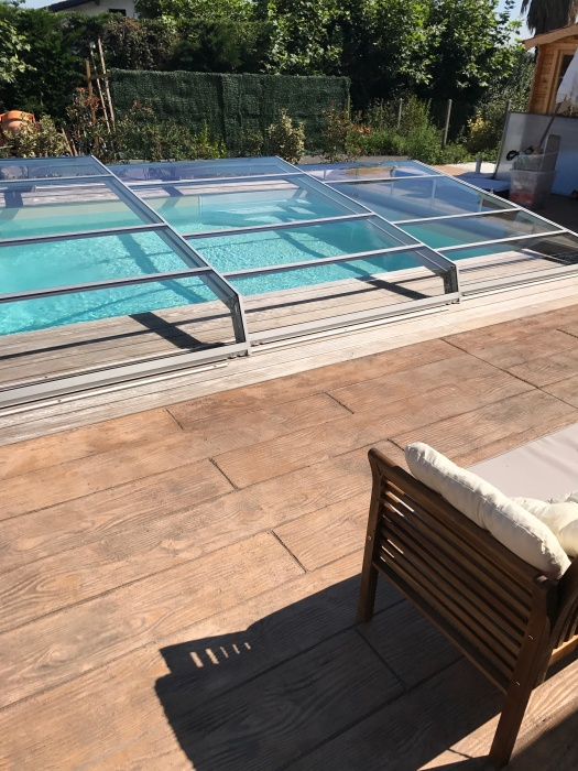 Piscine abri bas t lescopique for Abri piscine telescopique sans rail