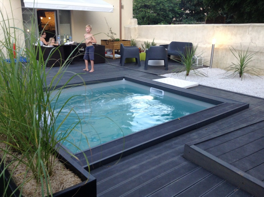 Piscine carr for Piscine coque carre